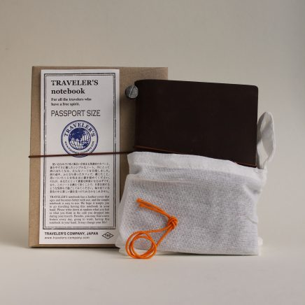 TRVELLER'S NOTEBOOK BROWN PASSPORT SIZE